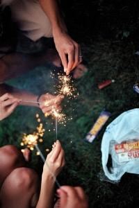 artificii intre prieteni
